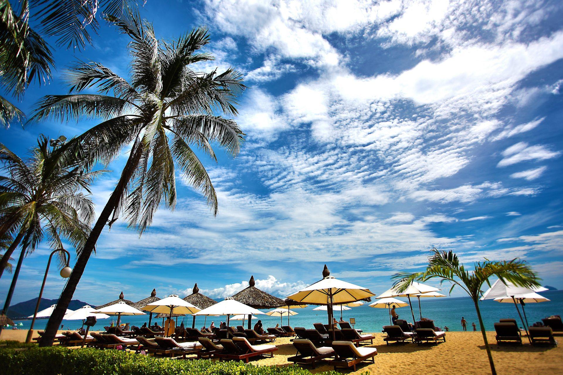 Beach bars που ξεχωρίζουν σε Καστρί Λουτρό και Μεσάγγαλα
